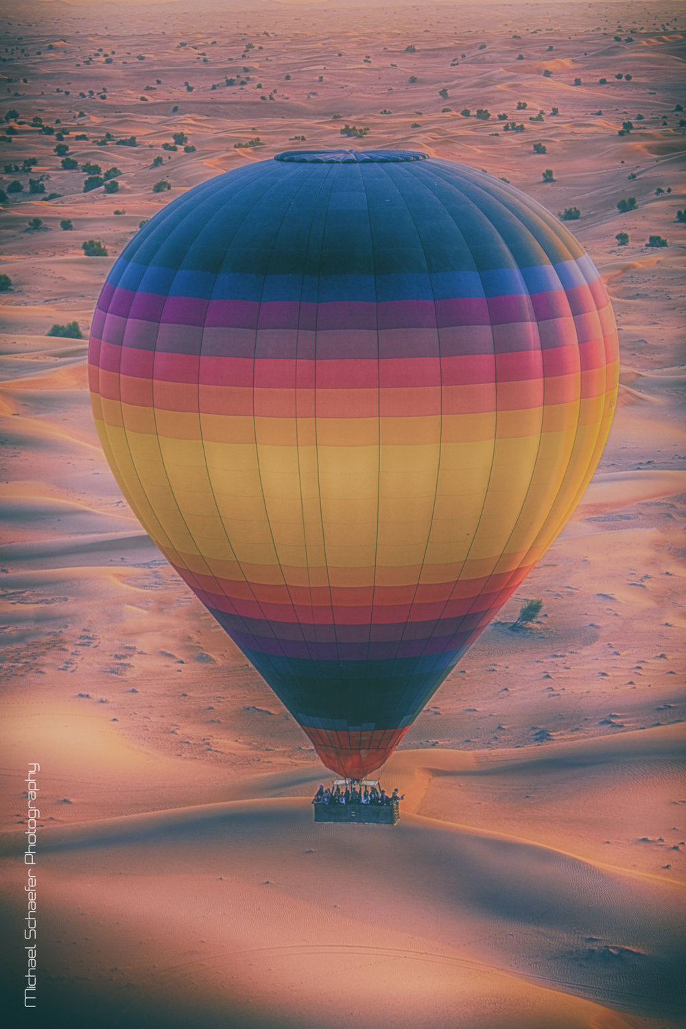 Hot-Air-Balloons-in-Dubai-FILEminimizer.jpg