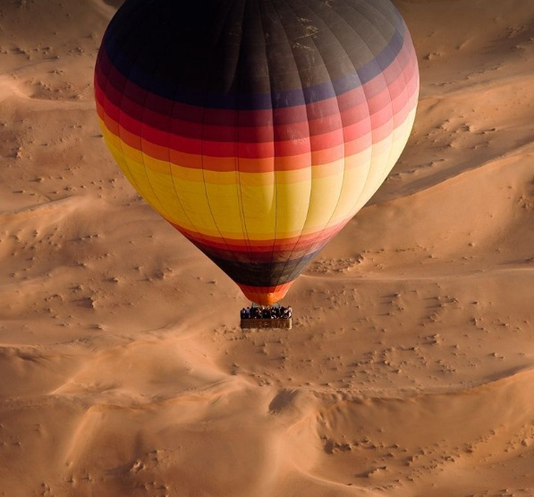 desert - hot air balooning - beyond dubai.jpg