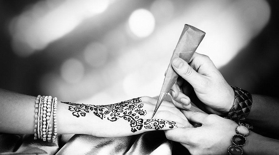 henna-designing.jpg