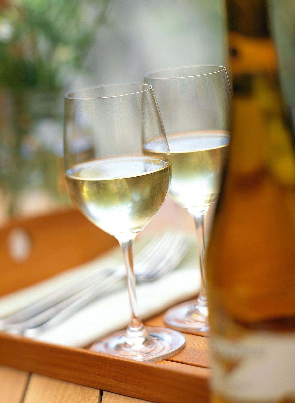 21_Wine_on_wood_tray_original.jpg