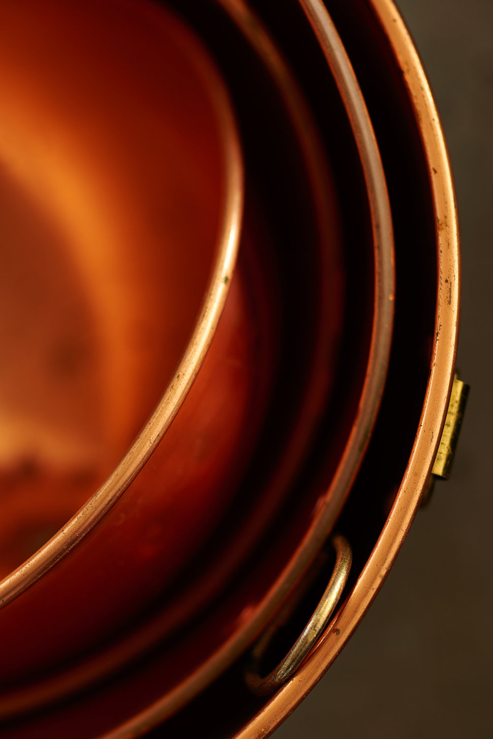 copper-pots-concrete-modern_0095_original.jpg