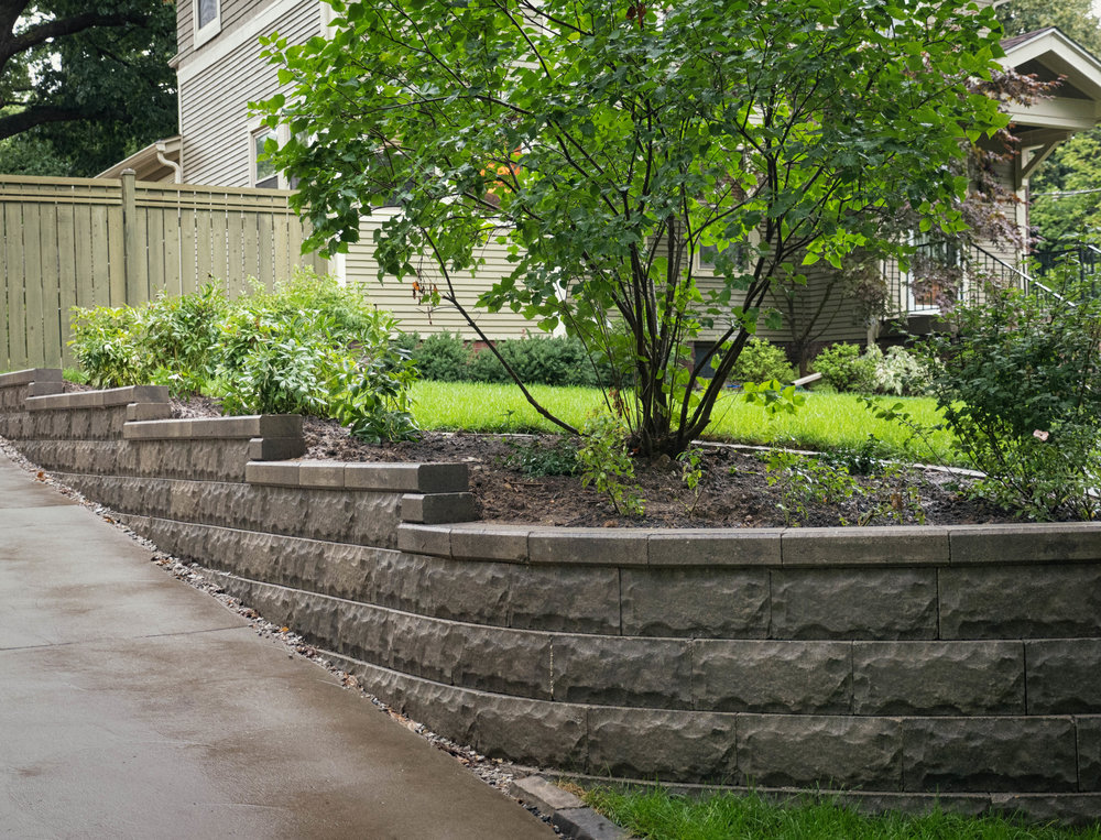 Wollan retaining wall4.jpg