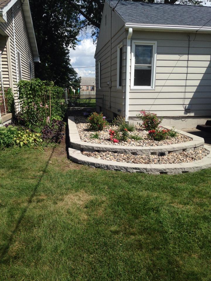 edging flowerbed.jpg