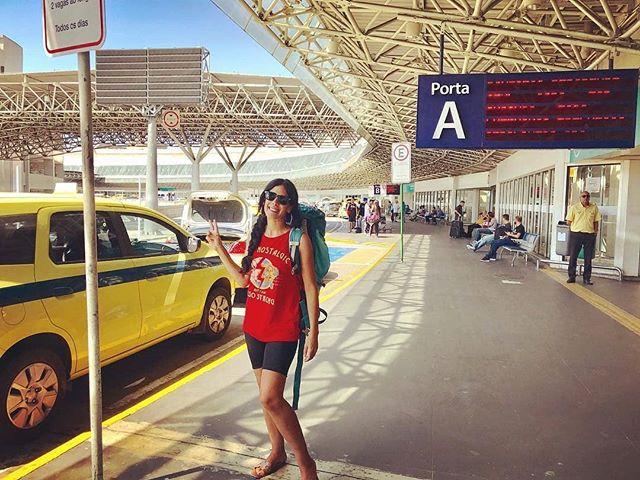 """""""Voyager seule, en mode backpack, sortir de ma confort zone, aller explorer de nouvelles contrées, aller vers les autres, apprendre des autres,  pour pouvoir se raconter et raconter les autres...Voilà qui fait mon bonheur absolu 🌍 ."""" - @nissouz 💖💖💖💖 . . . . . . . . #backpack#backpackers#backpackerstory#travel#travelgirls#solotravelers#solatravelers#sola#mujer#rojo#aeropuerto#avion#flight#voyage#viaje#viajem#latergram#laterpost#vaccaciones#holidays#brazil#fortaleza#rio#favelas#vacay#turismo#f4f"""