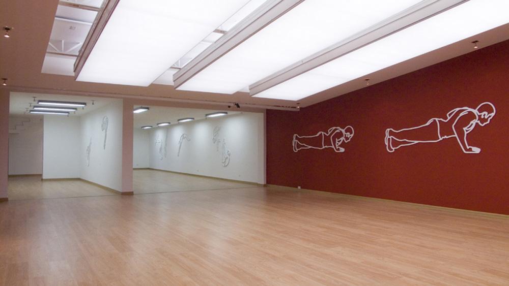 """Coloso, Gimnastas / """"Silencio"""".  Instalación.  Galería Nueveochenta. Bogotá"""