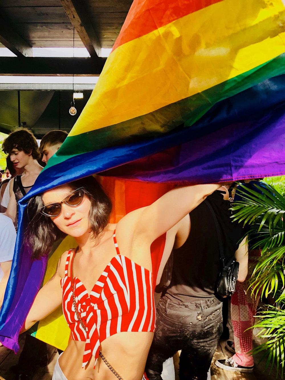 linda-pride-gitano-100.jpg