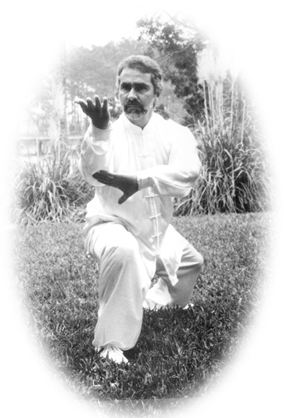 Sifu Paolillo in Dragon Baguazhang posture, early 90s