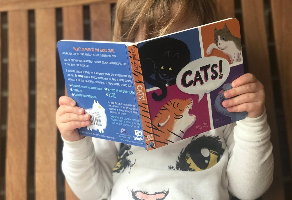 how to read to your kids blue manatee dialogic reading 3.jpeg