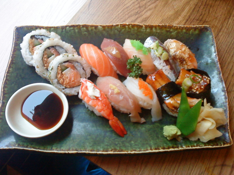 12-pieces-sushi-sushi-ya