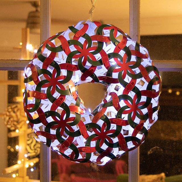 Get a different kind of holiday wreath this year! This beautiful piece from Curvahedra will stand out among all other boring wreaths and will show your love for all things cool. Chose one of our three great color combinations, throw on some holiday music, spice up the cider and build this unique piece for your holiday season. https://curvahedra.com/shop/curvahedra-wreath
