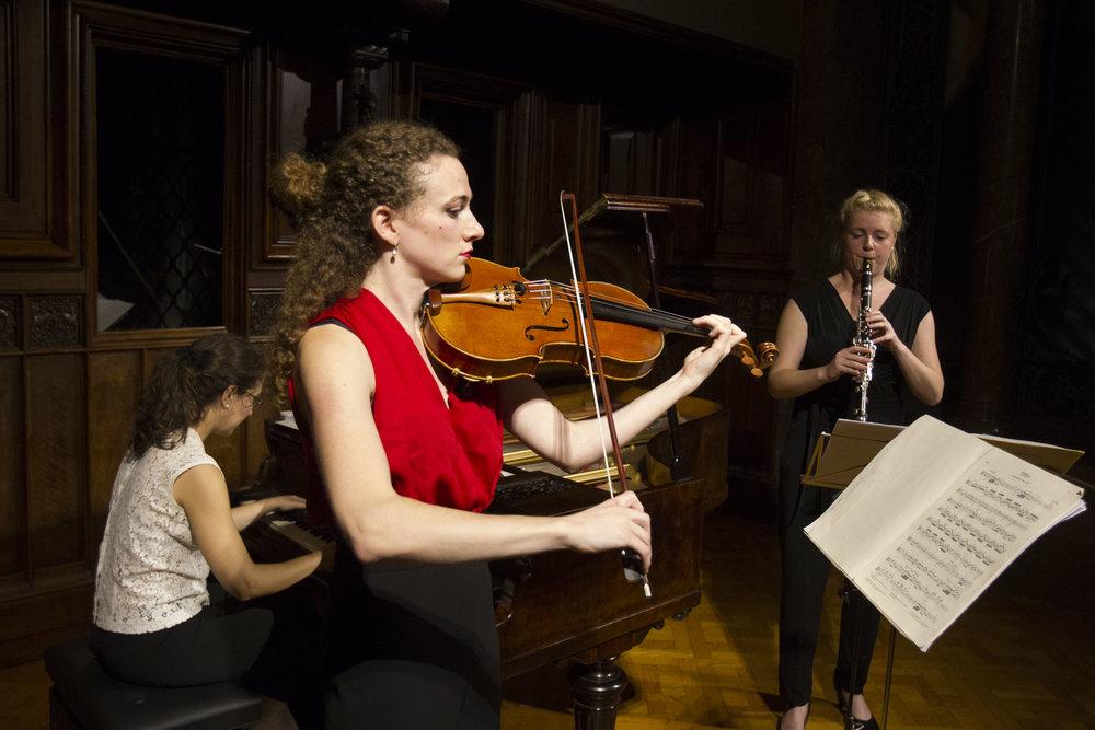 DUES NIMFES (clarinet, viola, piano)