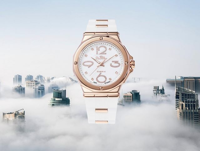 There is no limit for your time! . . #watches #diamonds #watchdiamond #luxylifestyle #millionairemindset #millionaire #mvmt #blogger #frenchblogger #ukblogger #influencer #dmnd #lifestyleblogger #lifestyle #mymontecarlo #monaco #luxurywatches #women #men # watchgoals #watchanista