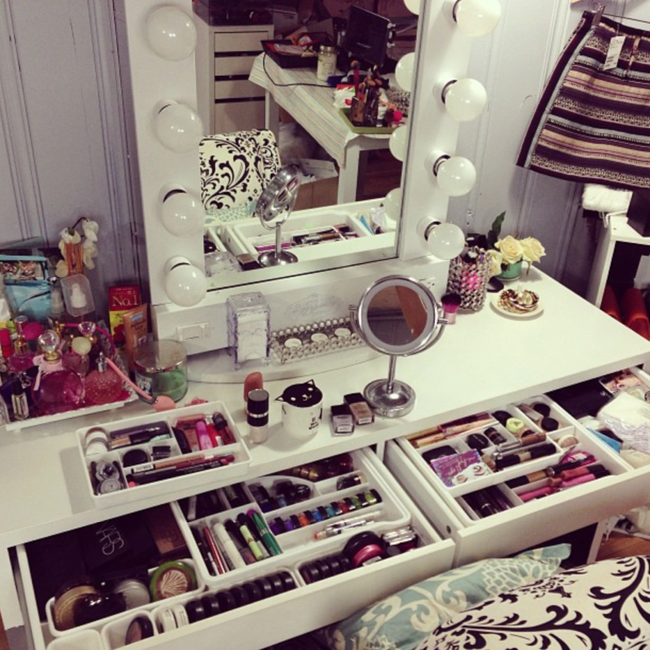 bedroom-awesome-home-furniture-design-for-girls-of-white-storage-makeup-vanity-designed-with-mirror-and-white-lights-bedroom-vanity-mirror-with-lights-936x936.png