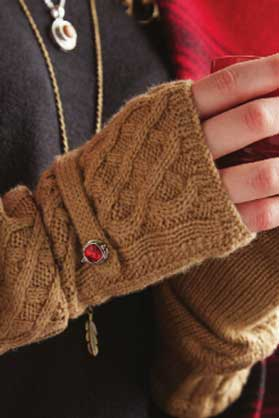 Ginger-Snaps-Fingerless-Gloves-and-Necklace.jpg
