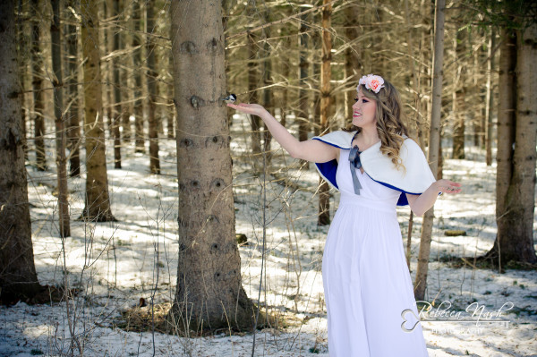 Snow White Inspired Bridal Portait Session - London Photographer Rebecca Nash Photography (1 of 9) (9)