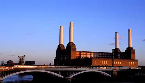You can clearly see the strong yellow cast of the evening sun on the chimneys of Battersea Power Station in this photograph.