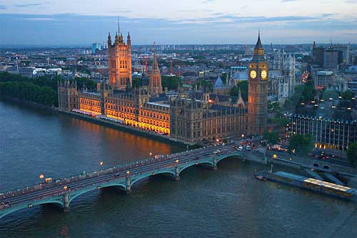 Here we can see how interesting colours are created by design in urban settings, with the warm lights on the Houses of Parliament probably designed to compliment the natural evening light.