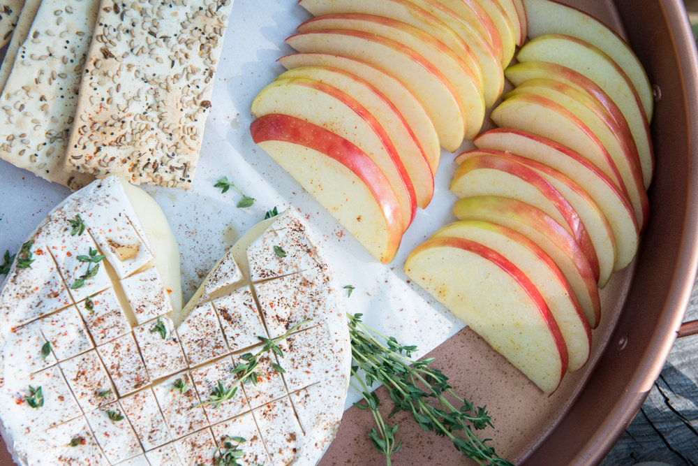 Campfire Brie Recipe | Fall Recipe Ideas | Camping Ideas | Recipes for Camping | Clamping | Fall Party Recipes | Appetizer Ideas | Paprika Southern