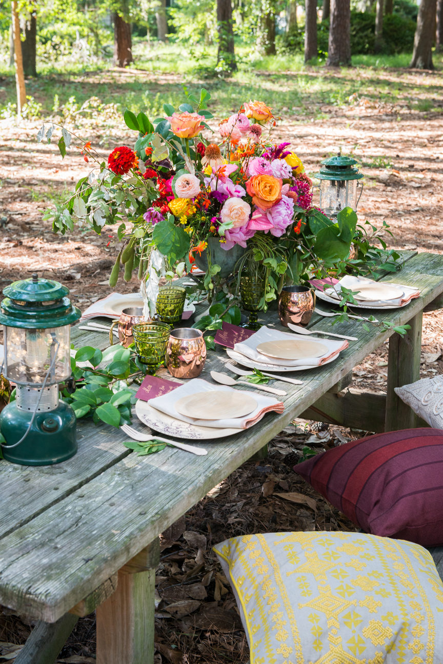 Glamping | Glamping Ideas | Glamping Decorations | Fall Vibes | Fall Decor Ideas | Glamping Party | Boho Fall Decor | Cozy Fall Decor | Fall Table Ideas | Fall Tablescapes | Colorful Fall Table | Outdoor Fall Party | Fall Table Centerpieces | Fall Table Decorations | Fall Place-setting | Paprika Southern