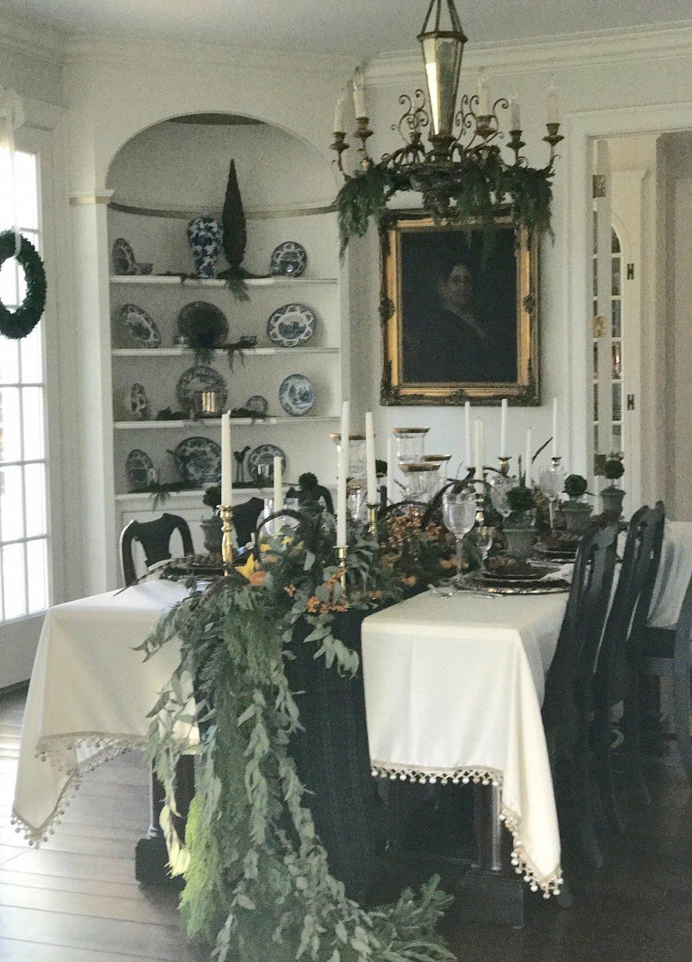 dining room xmas.jpg