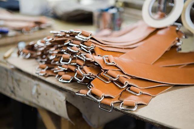 """One of the ways @baikalhandbagfactory is different from other handbag manufacturers in NYC is that they manufacture high-quality leather goods. """"Leather is unique to work with. The machinery needs to be heavy duty and you need someone who has experience working with leather, it's very skilled work. There's a different process you need to go through to work with leather, from the cutting of the material to way the edges are finished"""" - Nicole Levy, Vice President. 📷: @shotbyelisa"""