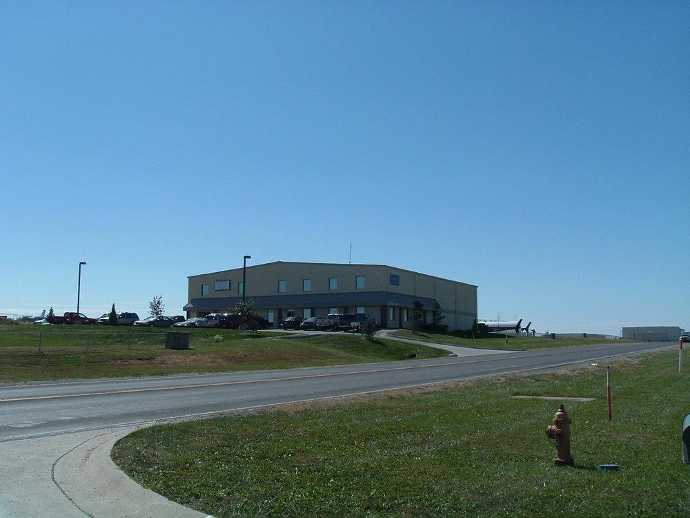 LifeNet Hangar - Olathe, KSClientCHL, LLCDesignTerry W. Chapman, Architect