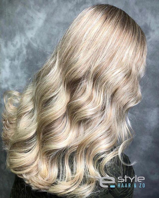 ELI COLOUR by @estylehaarenzo !  _ _  #elicolour #blondehair #blonde #healthy #hair #haircolor #haircolour #longhair #wavyhair #hairdresser #behindthechair #hairblogger #hairartist #maxelieurope