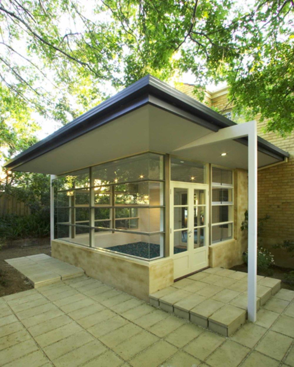 Kew Sunroom Pic 1.jpg