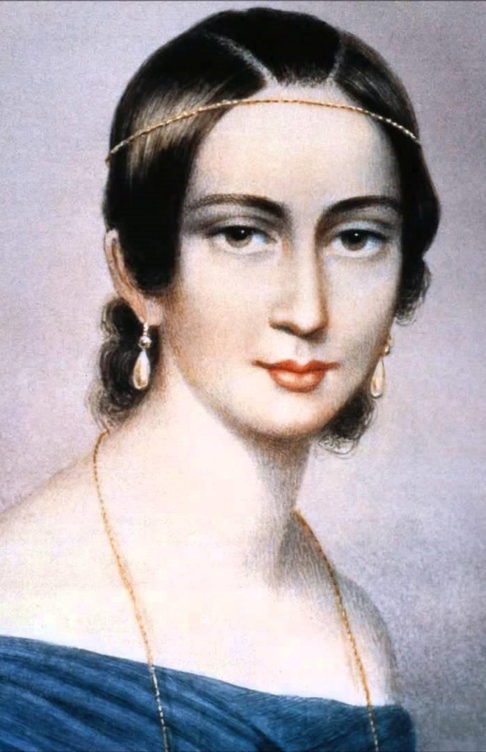 Clara portrait.jpg