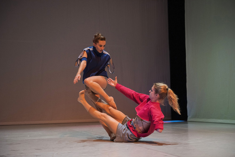 Photo: Hugo Glendinning. Dancers: Olivia Edginton, Laura Patay