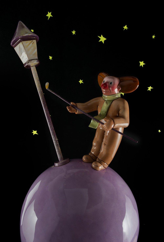 9- The Lamplighter.JPG