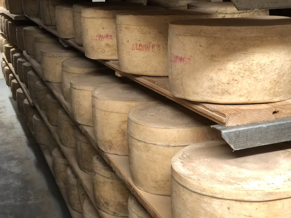 MUNCH ON KING ISLAND - Sample the island's famous cheese and dairy products.