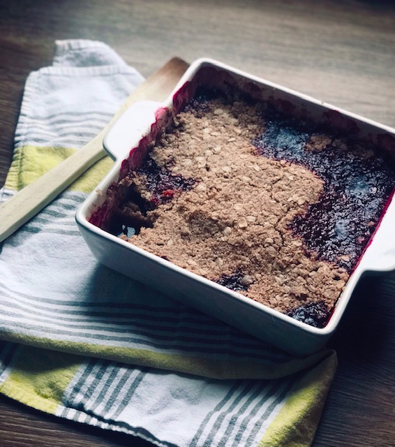 My very favorite treat during the holiday season is hands-down a fruit crumble.