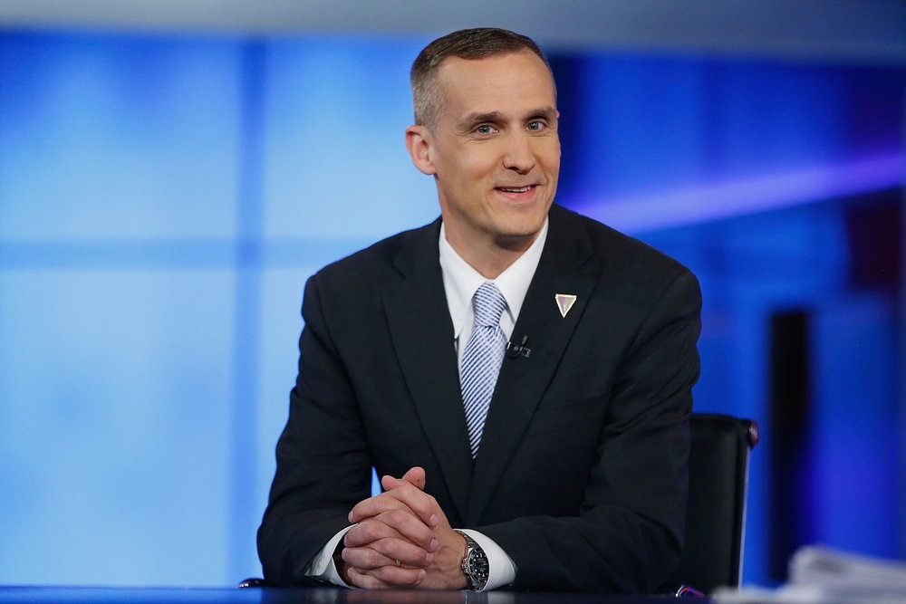 corey-lewandowski-loses-book-deal-2.jpg