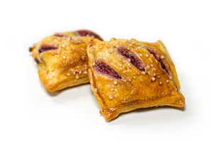 mango-raspberry-pie-bites-ready-to-bake-mini-pastries-clean-label-pastries.jpg