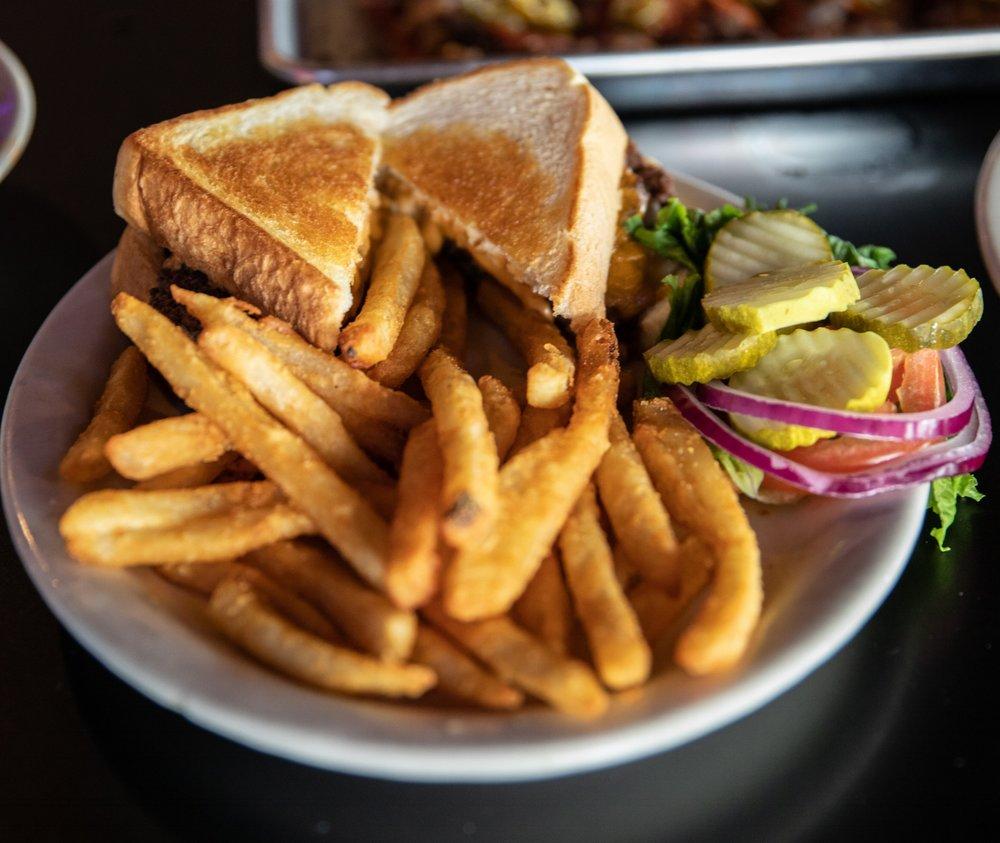 Bobby's Cheeseburger.jpg