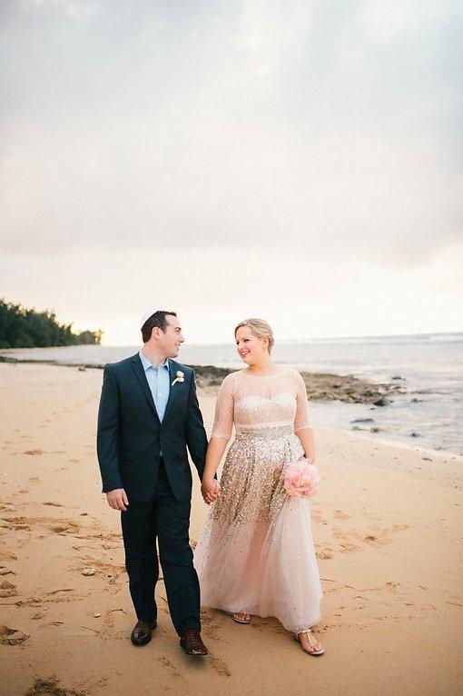 couple beach portraits.jpg