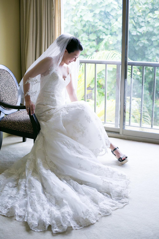 bride getting ready.jpg