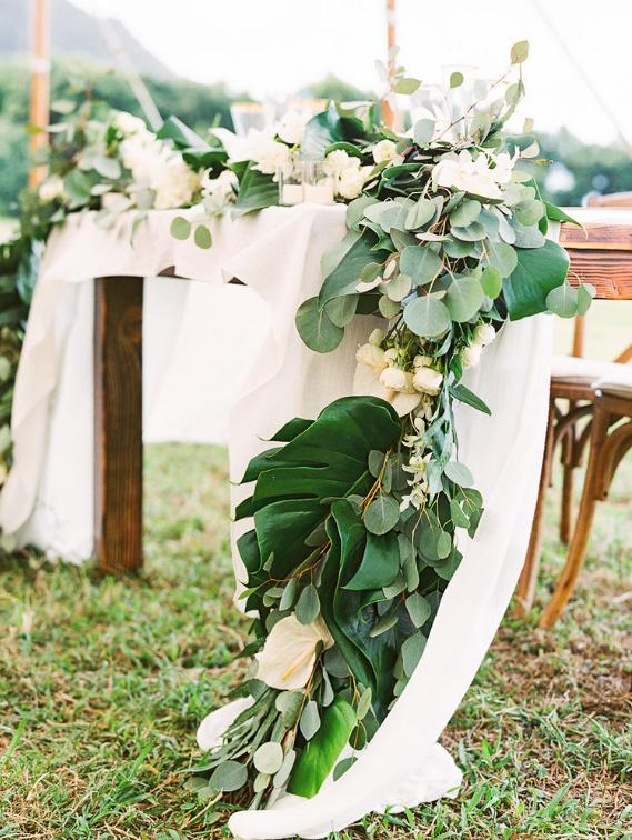 Wedding reception florals.PNG