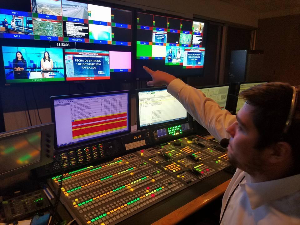 Alejandro Jimenez directing Proyecto U at Univision 23. Dallas, TX