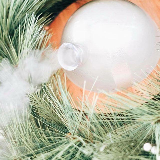 Still diffusing my Christmas Spirit blend over here 🎄