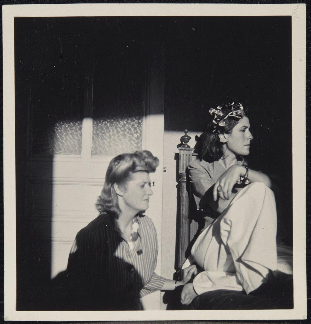Portrait de Dora Maar et Sonia Mossé, Antibes, 1939  tirage argentique