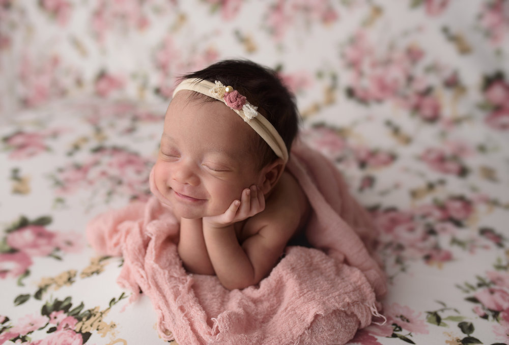 baby-newborn-infant-photographer-photography-wellington-lake-worth-boynton-beach-delray-beach-parkland-boca-raton-jupiter-tequesta-captured-moments-by-dawn.jpg