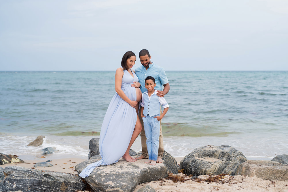 maternity-photographer-photography-jupiter-tequesta-palm-beach-wellington-lake-worth-boynton-beach-delray-beach-boca-raton-parkland-captured-moments-by-dawn.jpg