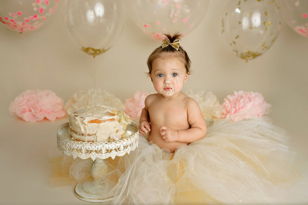 smash-cake-photographer-cake-smash-photography-tequesta-jupiter-palm-beach-wellington-lake-worth-boynton-beach-delray-beach-boca-raton-parkland-captured-moments-by-dawn.jpg