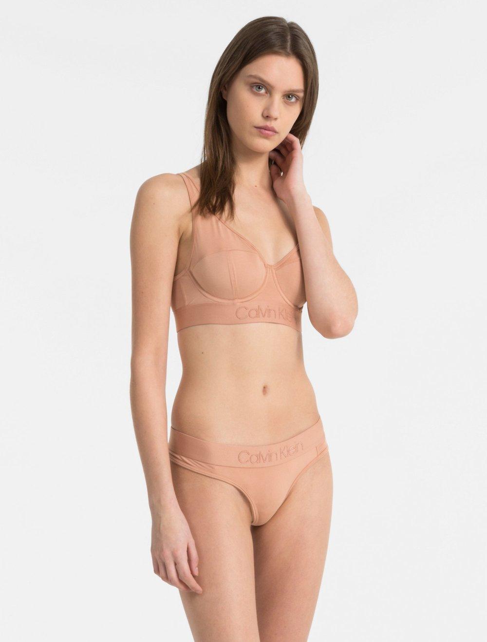 womens-underwear-set-tonal-logo-lightly-lined-triangle-unity_main.jpeg
