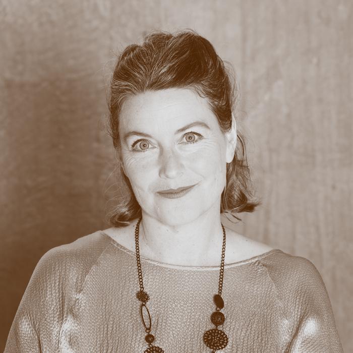Deborah-Mackenzie.jpg