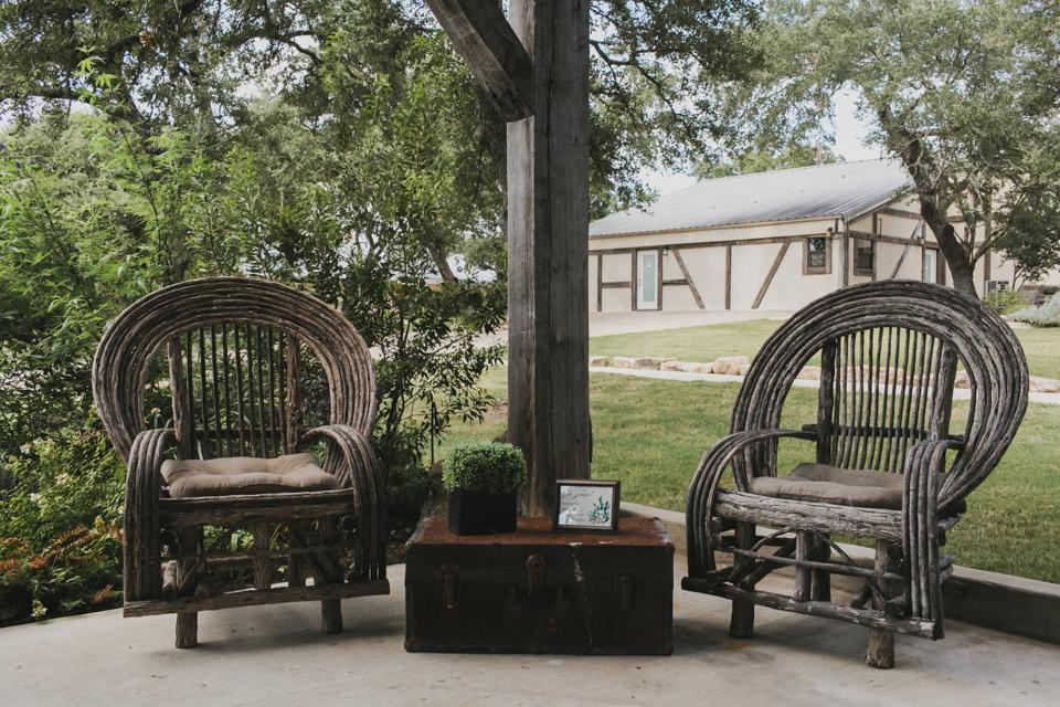 the-creek-haus-weekend-wedding-destination-texas-hill-country-barn-venue