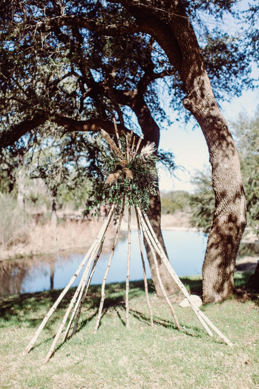 the-creek-haus-austin-texas-wedding-venue-destination-austin-texas-lodging-winter-open-house-petal-pushers-tee-pee-boho-ceremony-jona-christina-photography
