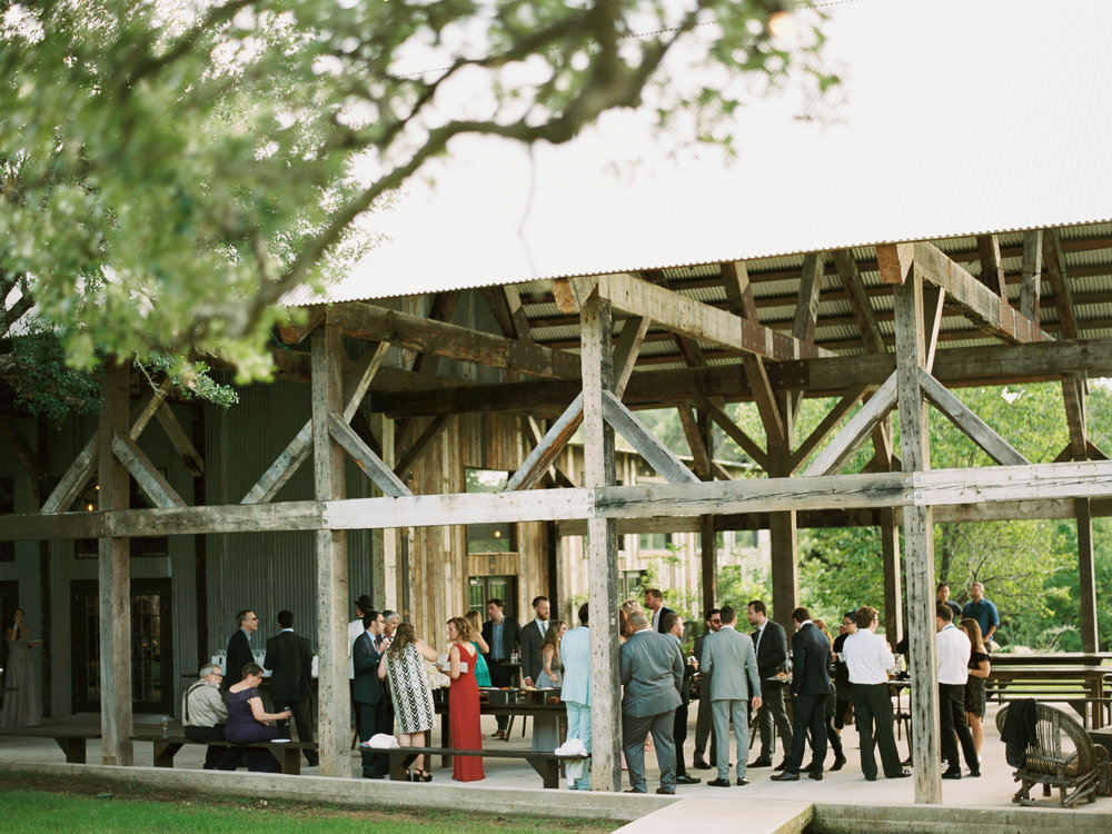 the-creek-haus-weddings-desintation-wedding-venue-austin-texas-hill-country
